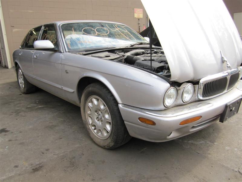 parting out a 2001 jaguar xj8 100497 tom 39 s foreign auto parts quality used auto parts. Black Bedroom Furniture Sets. Home Design Ideas