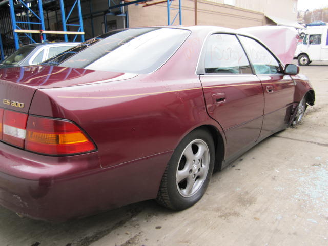 Parting out 1997 Lexus ES300 - Stock #100754   - Tom's