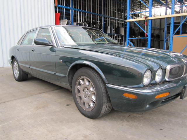 parting out 2001 jaguar xj8 stock 100756 tom 39 s foreign auto parts quality used auto parts. Black Bedroom Furniture Sets. Home Design Ideas