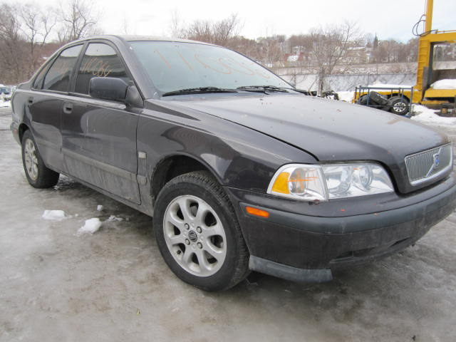 parting out 2000 volvo s40 stock 110064 tom 39 s. Black Bedroom Furniture Sets. Home Design Ideas