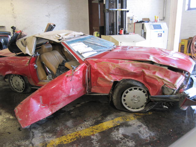 Parting out 1987 mercedes 560sl stock 110563 tom 39 s for Mercedes benz 560sl parts catalog