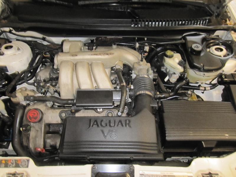 Parting Out 2004 Jaguar X Type - Stock   120425