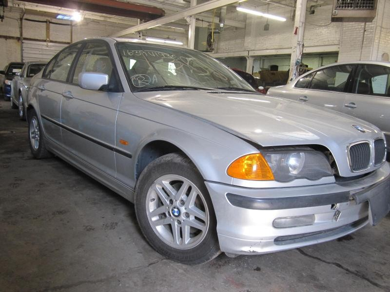 Parting Out 2000 Bmw 323i - Stock   130209