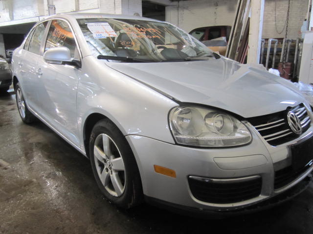 Parting out 2009 Volkswagen Jetta - Stock # 140141 - Tom's Foreign Auto Parts - Quality Used ...