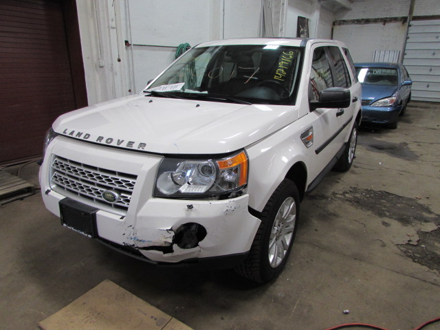 parting out 2008 land rover lr2 stock 160017 tom 39 s foreign auto parts quality used auto. Black Bedroom Furniture Sets. Home Design Ideas