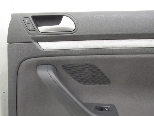Rear interior door trim panel volkswagen jetta 2007 07 592793 for Vw jetta interior replacement parts