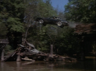 Smokey-and-the-Bandit-car-jump