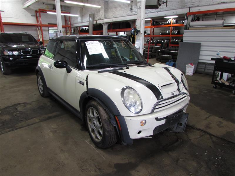 Parting Out 2006 Mini Cooper